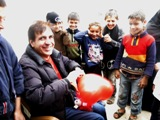 Battono forte i nostri cuori per i bambini della Siria (Campo di Bab Al Salam, Siria - linea di confine)