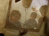 Giochi di ombre... (Campo di Bab Al Salam, Siria - linea di confine)